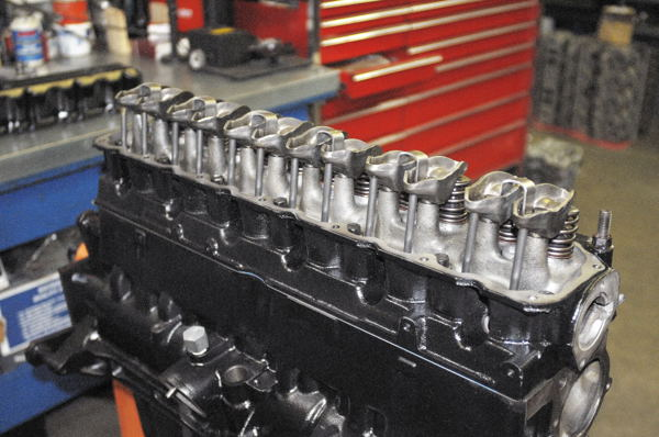 4.2L and 4.0L valvetrain and non-adjustable rocker arms