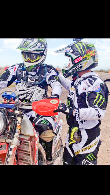 Nick Hamm sends Jesse Williams off on the CRF450X.