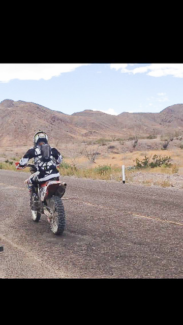 Jesse Williams racing into the Mexican desolation!